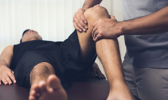 Physiotherapist Treatment in Singapore: Knee Injury